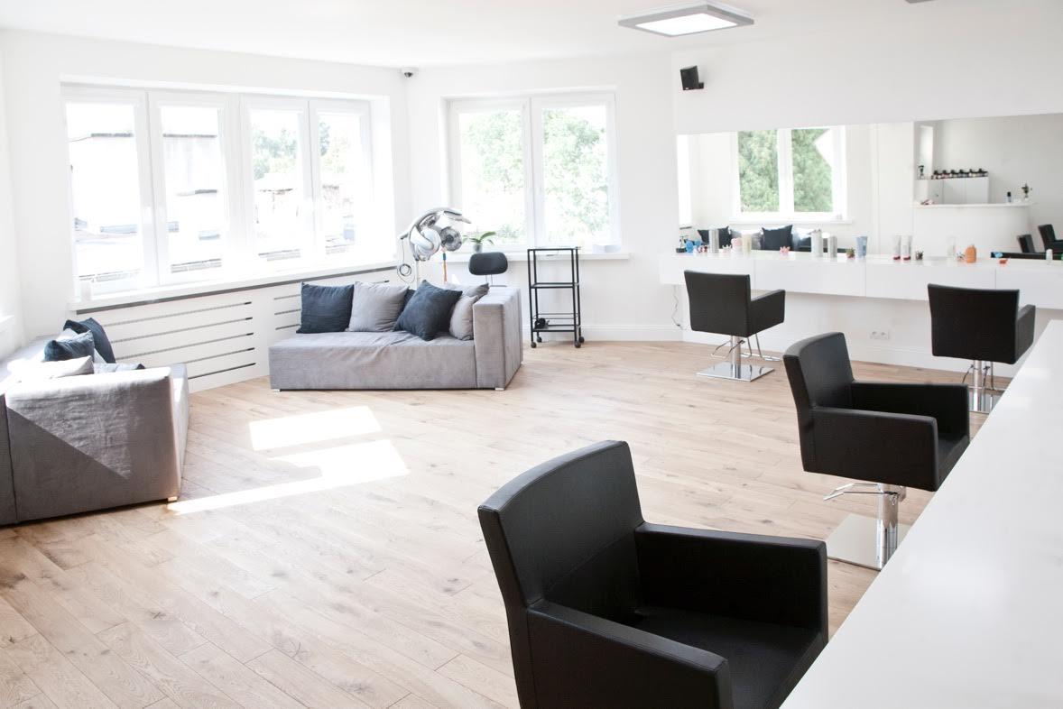 Ten Salon in Warsaw, Poland